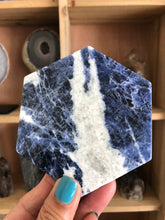 99 mm Sodalite hexagon charging plate S2E - The7directions