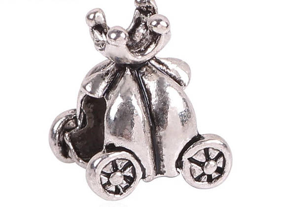 Pumpkin carriage charm