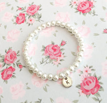 Pearl bracelet with letter / initial charm