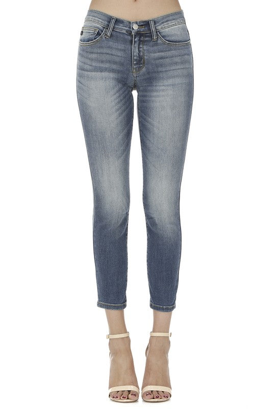 Judy Blue Cropped Medium Wash Jeans