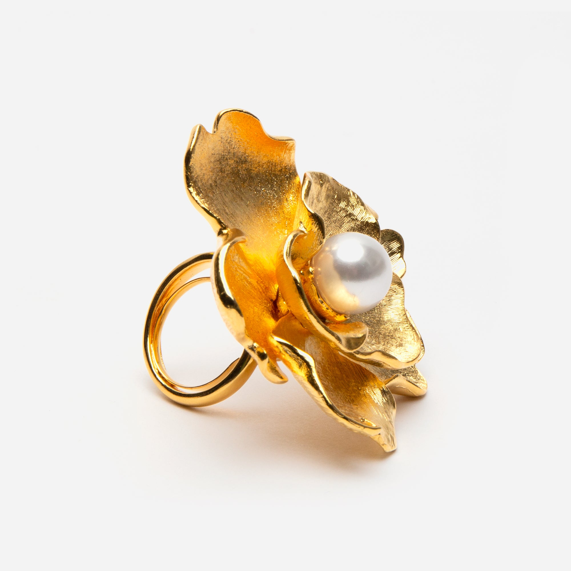 Oversized Gold Flower Pearl Ring