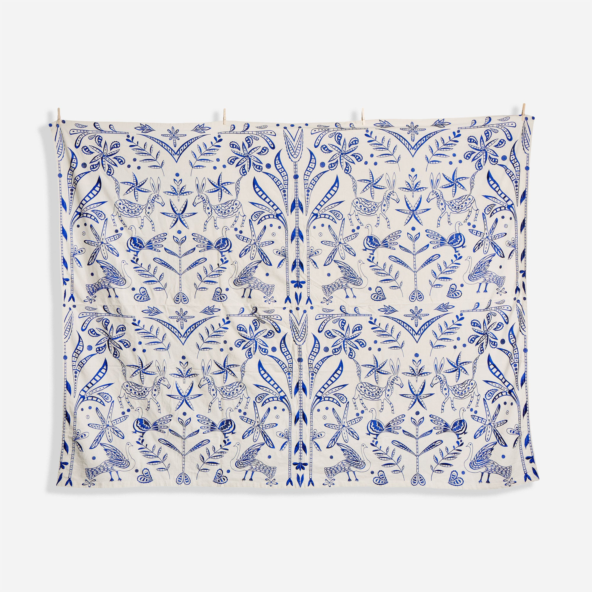 Veracruz Embroidered Tablecloth Navy