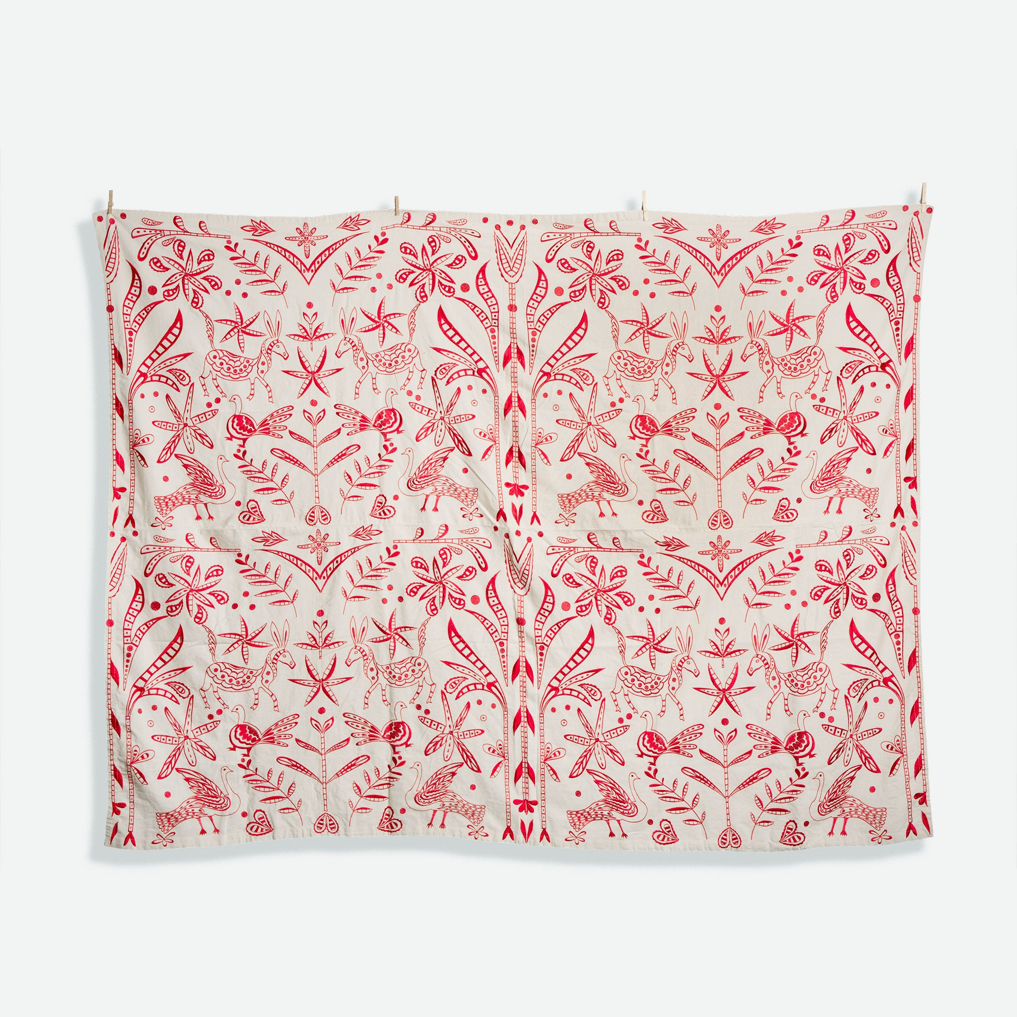 Veracruz Embroidered Tablecloth Red