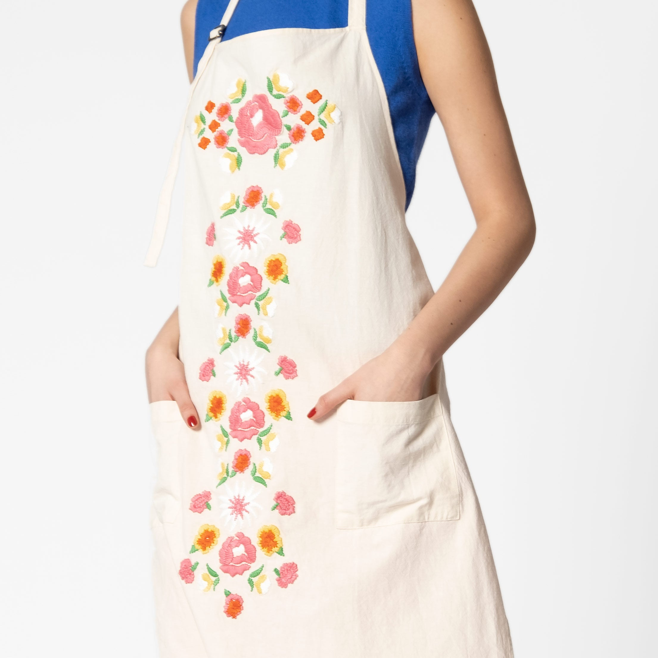 Floral Garland Apron Oyster