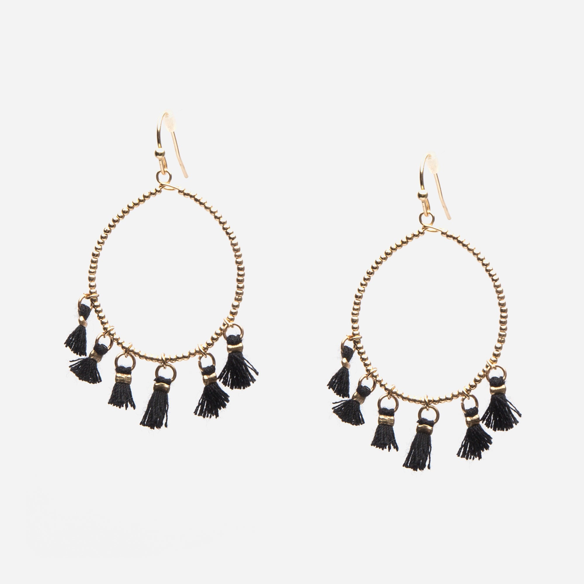 Concha Tassel Earrings Black