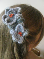 Corsage: HAIR CLIP-Denim shades..