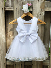 Load image into Gallery viewer, White Flower Girl Dress, Flower Girl Dresses in white, White Girl Dress 4