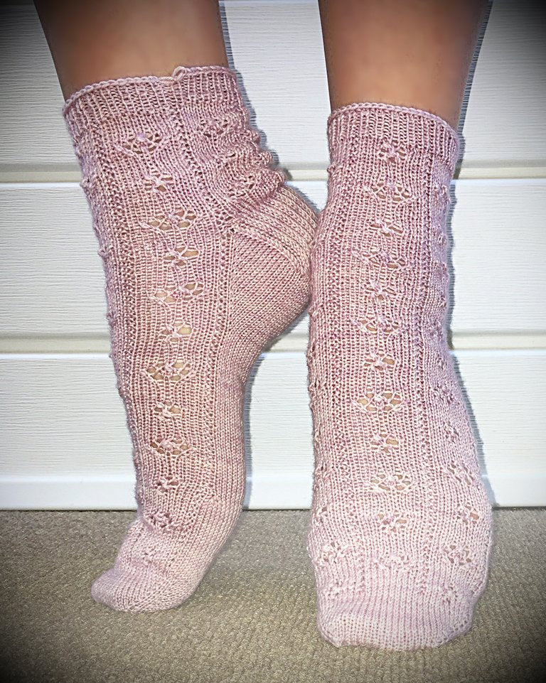 Mad May Flowers sock pattern