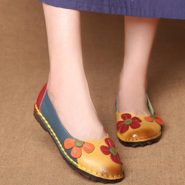 Fashion Flower Soft Bottom Design Round Toe Mix Color Flat Shoes