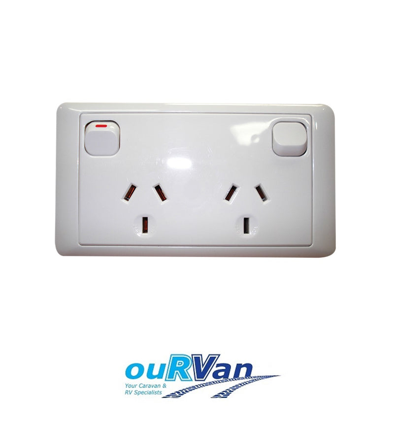 CMS DOUBLE WHITE 10AMP POWER OUTLET W/20AMP INSTALL COUPLERS. J16.2NW