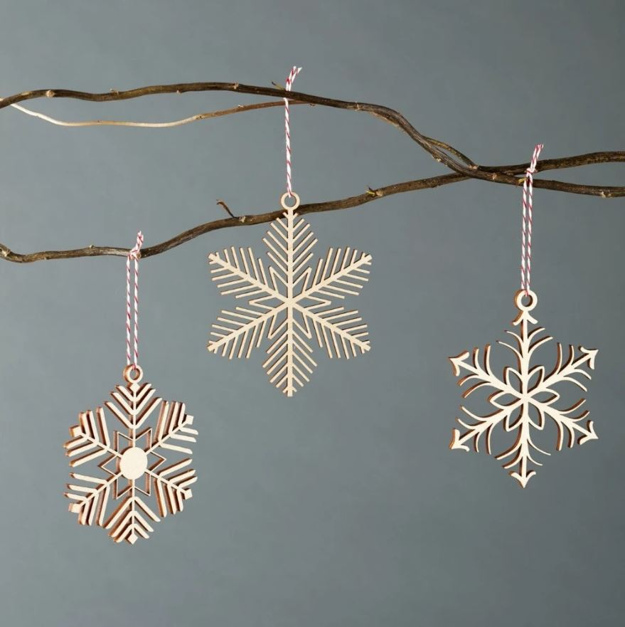 Light + Paper Studio - Delicate Snowflake Ornament Set