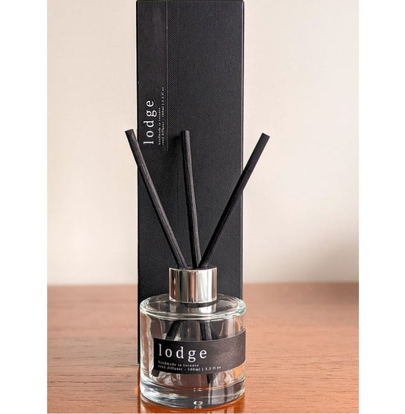 Lares Candles - Lodge Reed Diffuser