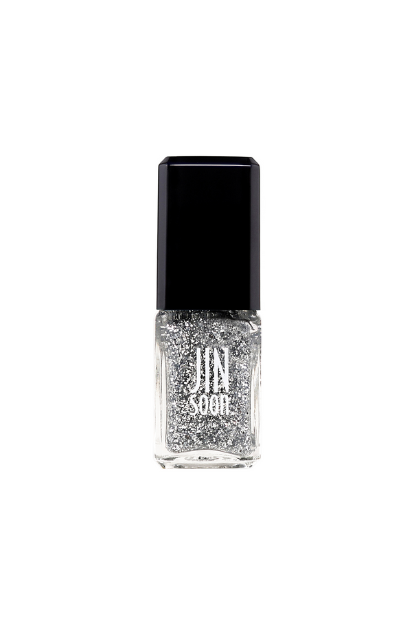 Glitzy silver sparkle nail polish by JINsoon