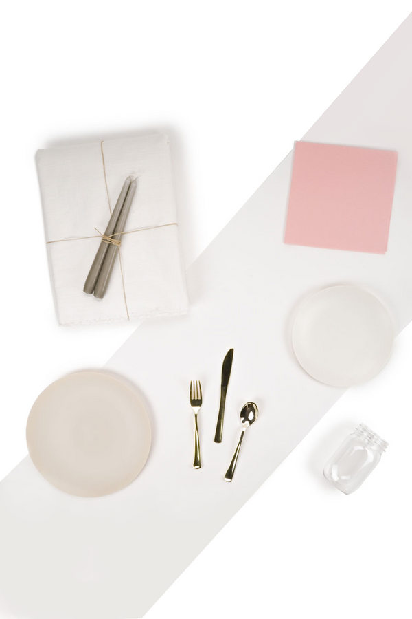 The Dinner Party Set in white and pink by L'entramise