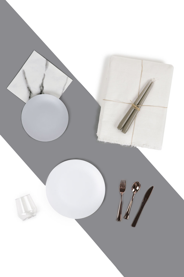 The Dinner Party Set in white and grey by L'entramise