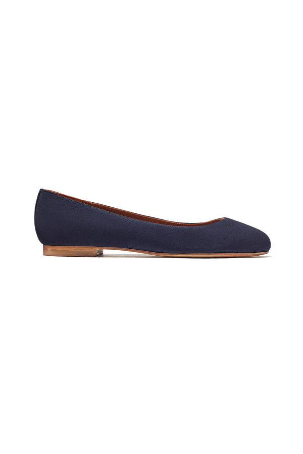 The Classic flat in Midnight by Margaux
