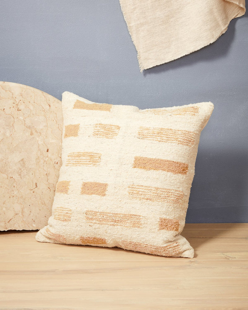 Shadow Pillow - Cream | MINNA