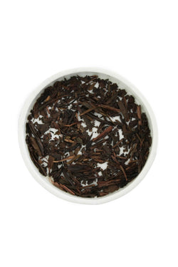 Hojicha Tea by Leaves and Flowers