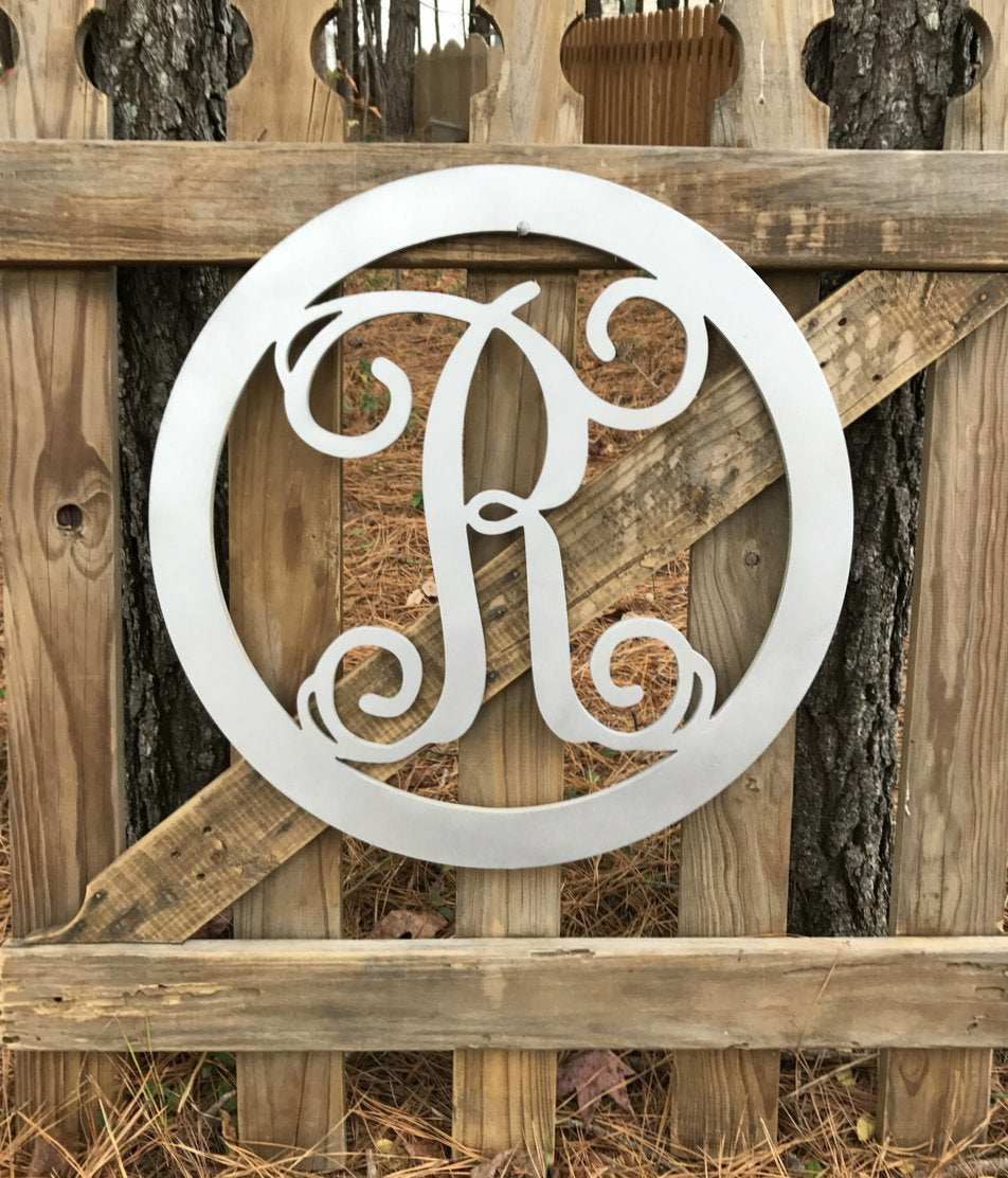 Circle Framed Single Monogram
