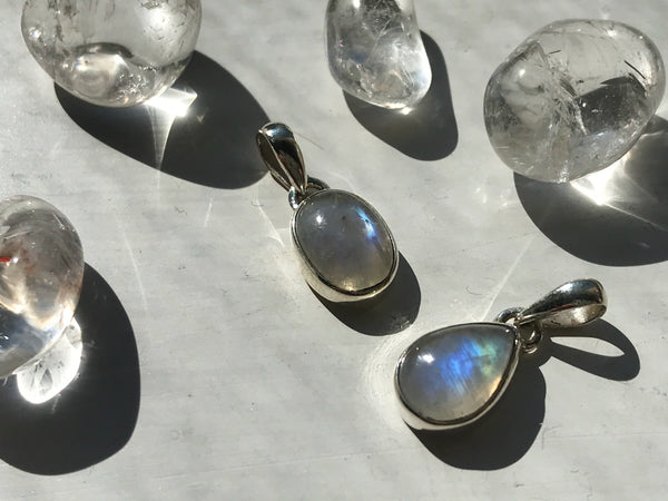 Moonstone Akoni Pendant Tear Drop/Oval Small - Jewels & Gems