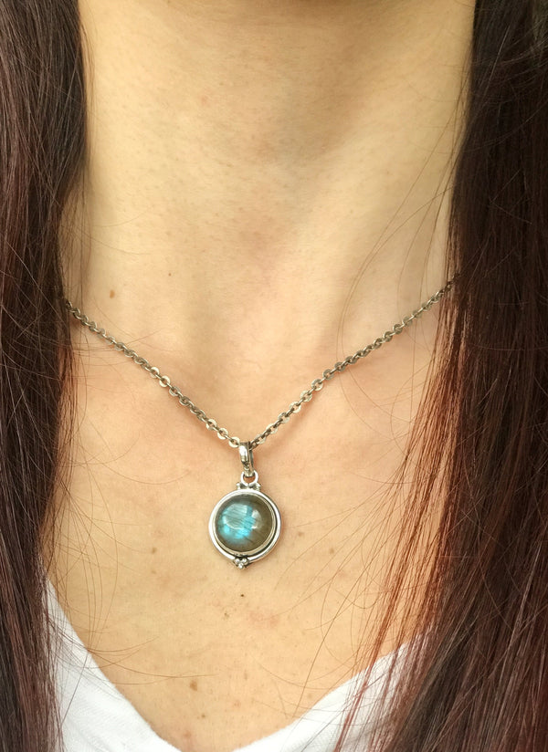 Labradorite Ari Dot Pendant - Jewels & Gems