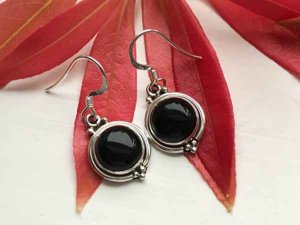 Onyx Ari Dot Earrings - Jewels & Gems