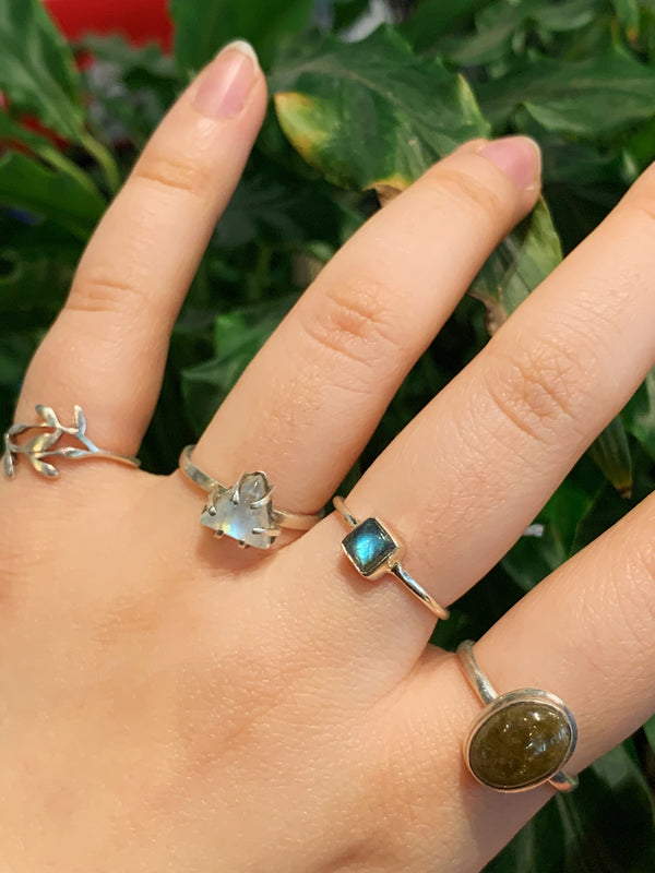Labradorite Akoni Ring - XSmall Square (US 10) - Jewels & Gems