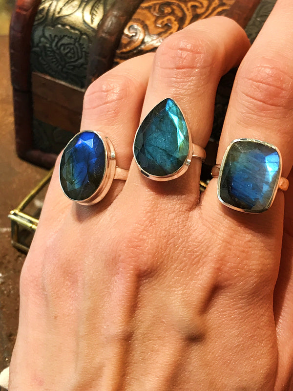 Labradorite Adora Ring - Jewels & Gems