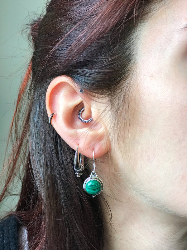 Malachite Ari Dot Earrings - Jewels & Gems