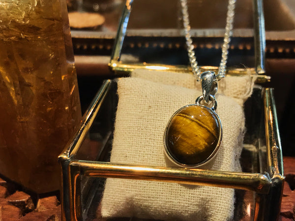 Tiger's Eye Akoni Pendant Oval/Tear Drop/Round/Almond - Jewels & Gems