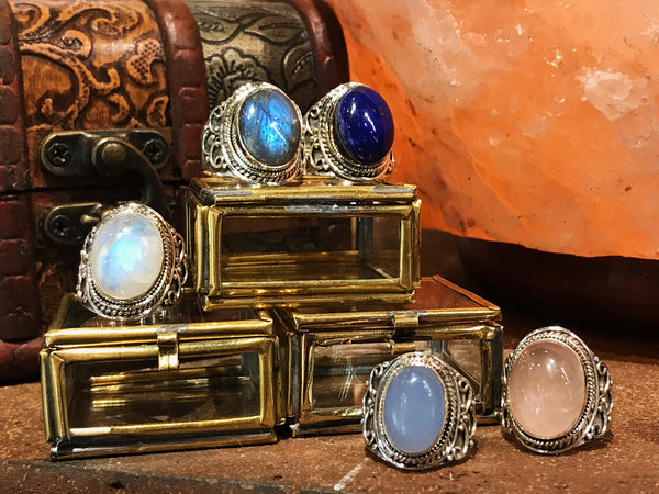 Makani Ring in Moonstone, Labradorite, Blue Chalcedony, Rose Quartz, Lapis Lazuli - Jewels & Gems