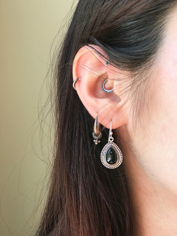 Onyx Gala Earrings - Jewels & Gems