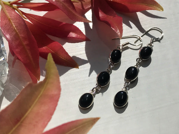 Onyx Akoni Earrings Triple Stone - Jewels & Gems
