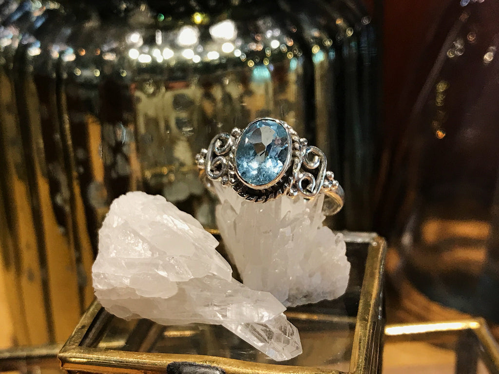 Blue Topaz Alta Ring - Oval - Jewels & Gems