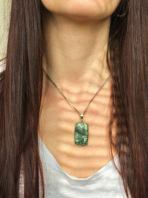 Seraphinite Akoni Pendant - Jewels & Gems