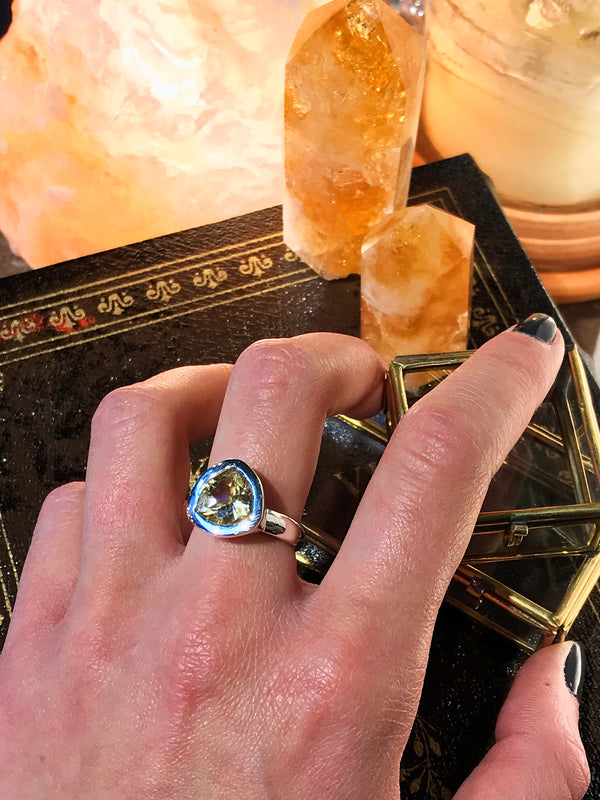 Citrine Ari Ring Triangle - Jewels & Gems