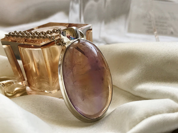 Ametrine Ari Pendant Oval Large - Jewels & Gems