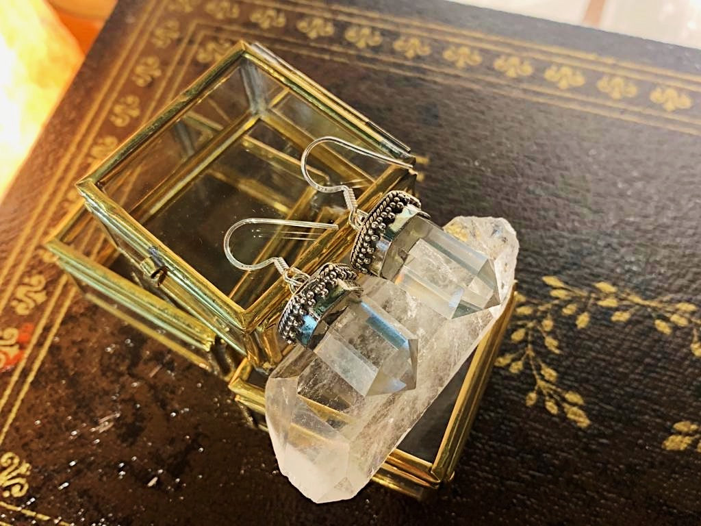 Clear Quartz Damar Earrings - Jewels & Gems