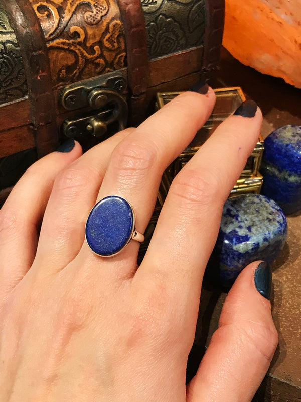 Lapis Lazuli Flat Akoni Ring - Oval - Jewels & Gems