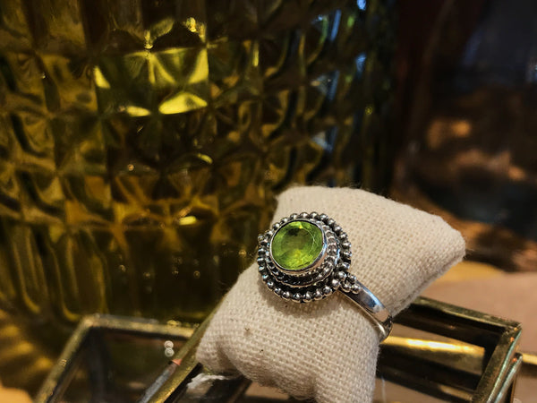 Peridot Gala Ring - Jewels & Gems