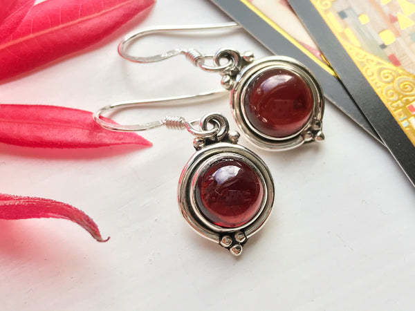Garnet Ari Dot Earrings - Jewels & Gems