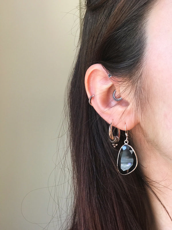 Onyx Adora Earrings Medium - Jewels & Gems