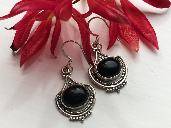 Onyx Kai Earrings - Jewels & Gems