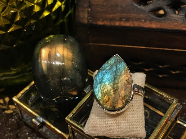 Labradorite Akoni Ring Raw Oval and Tear Drop - Jewels & Gems