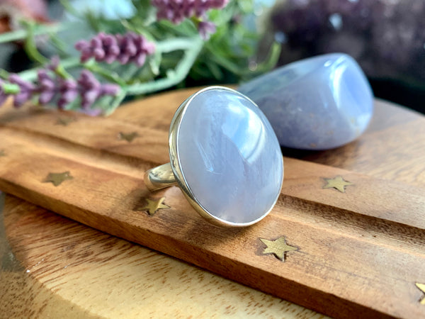 Blue Lace Agate Adjustable Ring - Round - Jewels & Gems