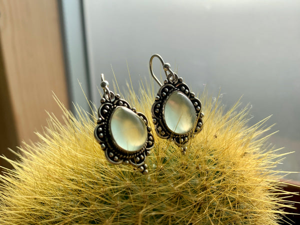 Prehnite Nissa Earrings - Jewels & Gems