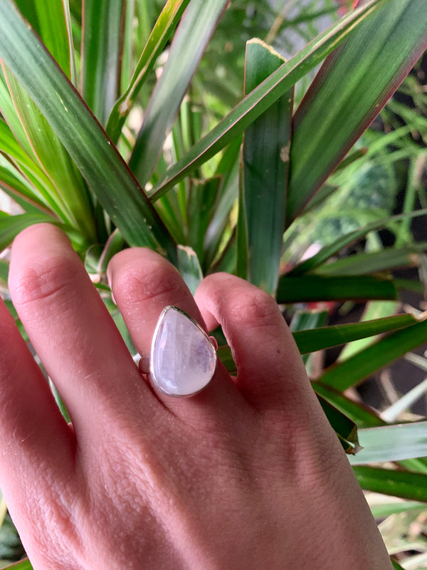 Moonstone Akoni Ring - Medium Drop - Jewels & Gems