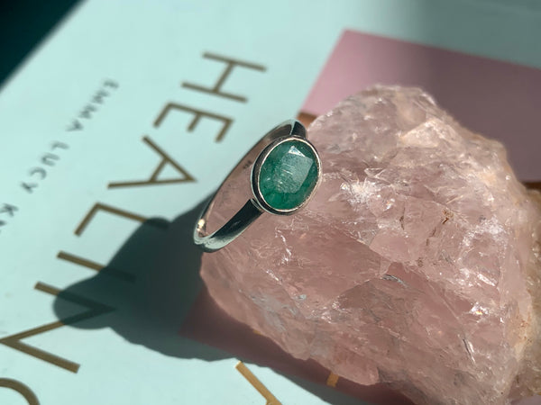 Semi-precious Emerald Akoni Ring - Jewels & Gems