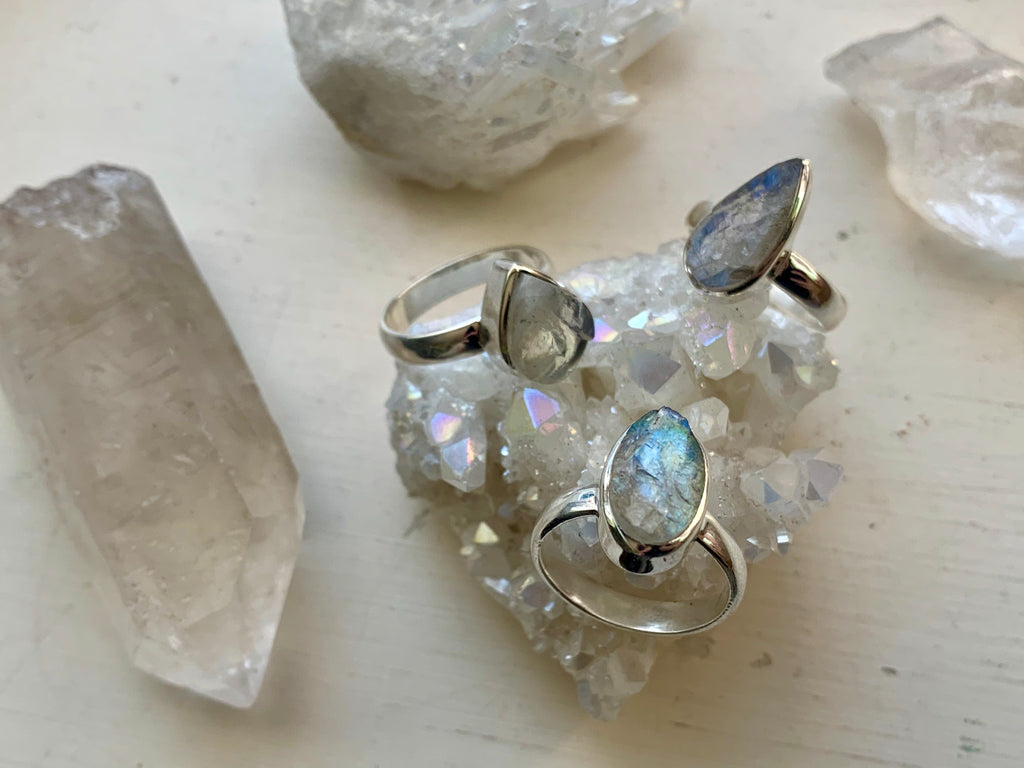 Raw Moonstone Akoni Ring - Small Mixed - Jewels & Gems