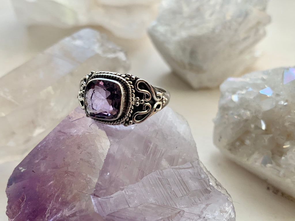 Amethyst Morgana Ring - Square - Jewels & Gems